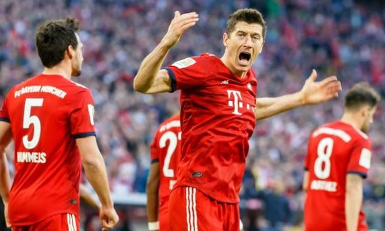 Only Gerd Muller (234 games) has scored 200 goals in the Bundesliga quicker than Robert Lewandowski (284 games) (Image credit: Getty Images)