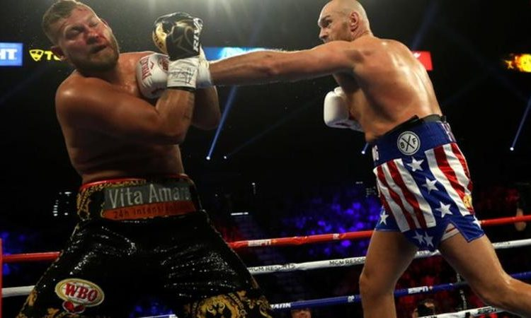 Fury had little difficulty in breaking through the Schwarz guard (Image credit: Reuters)