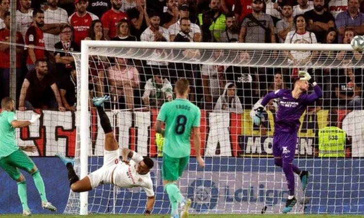 Karim Benzema has scored five goals in Real's opening five La Liga fixtures (Image credit: EPA)