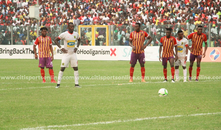 Naby Keita steps up to take the crucial late penalty for Kotoko.  Hearts of Oak vs Asante Kotoko - 26-01-20
