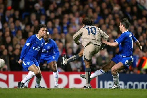 Ronaldinho vs Chelsea 2005