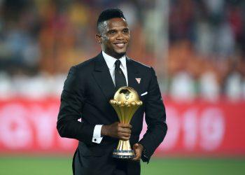 Soccer Football - Africa Cup of Nations 2019 - Final - Senegal v Algeria - Cairo International Stadium, Cairo, Egypt - July 19, 2019    Samuel Eto'o with the trophy before the match   REUTERS/Sumaya Hisham - RC1EDBFEDA10